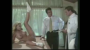 Порно задница до слез
