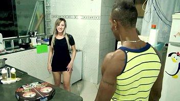 Девушка в кружевном белье курит и ласкает пизду